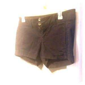 Adorable Express black denim shorts size 2